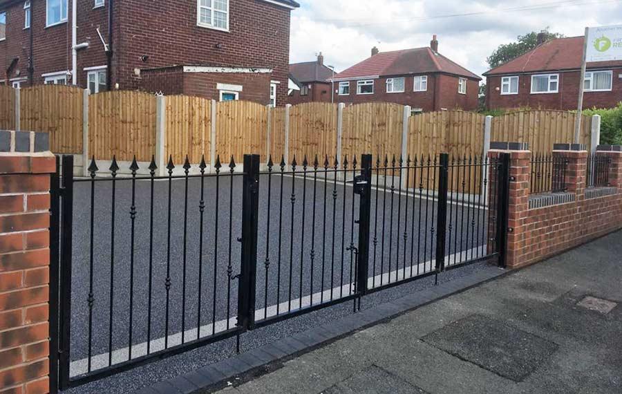 Fencing Services in Oldham, Chadderton, Royton